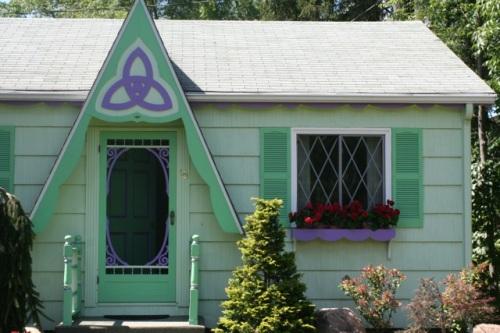 Purple Celtic symbol